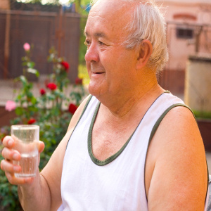 Dehydration Hits with Summer Heat! Help Seniors Get Enough Water!