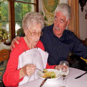 Tools and Techniques to Help Seniors Achieve Independence in Eating