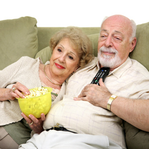 Evening Snacks for Seniors – Good for Them or Something to Avoid