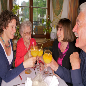 Dementia Caregiving – Making Family Outings Work for Everyone