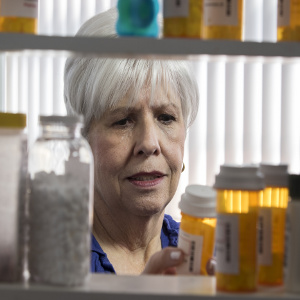 Senior Medication Safety to Avoid Medical Crisis – Family Caregiver Tips