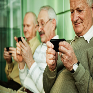 Connecting Seniors & Smartphones – Plus Our Take on One Option