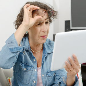 Digital Eye Strain in Our Seniors – Family Caregiver Quick Tip